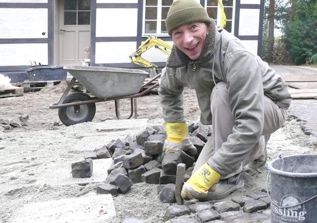 Rik-Jan Sindler, Spezialist für Natursteinpflaster.