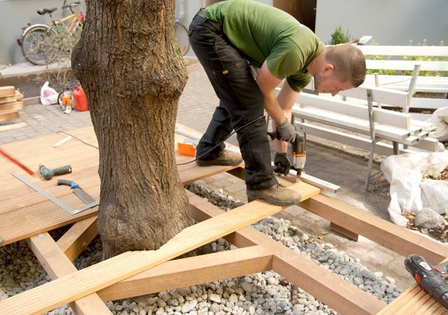 Fachgerecht verarbeitetes Holz ist dauerhaft im Garten.