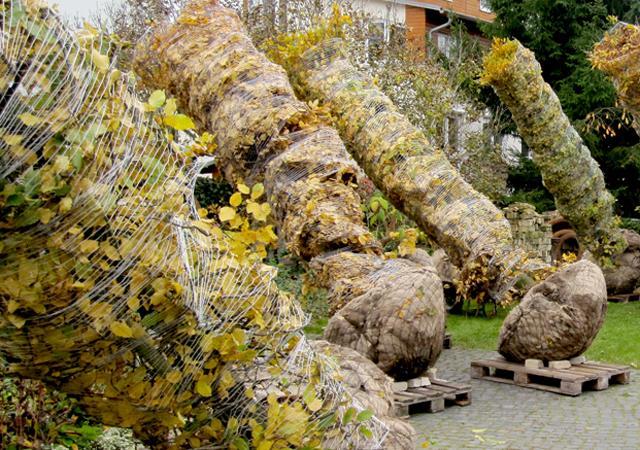 Reihen aus großen Bäumen entfalten sofort ihre raumbildende Wirkung.