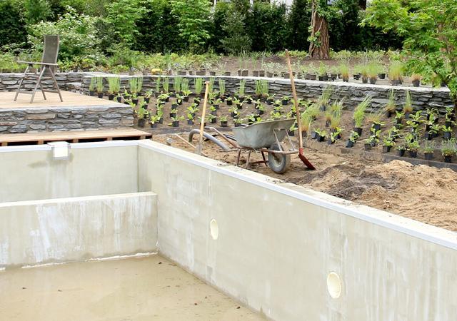 Der neue Pool während der Bauzeit